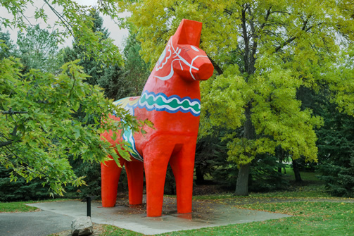 Get a selfie by the Dala Horse
